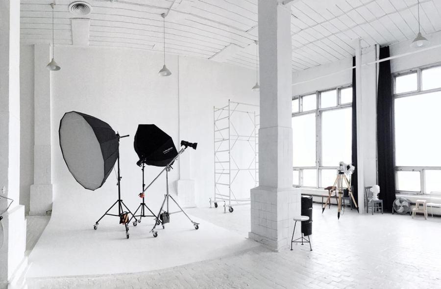 фотостудия с белыми стенами москва примостил